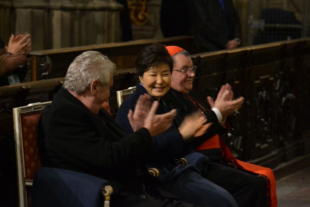 Boni pueri zpívají pro prezidentku Korejské republiky 6 malý