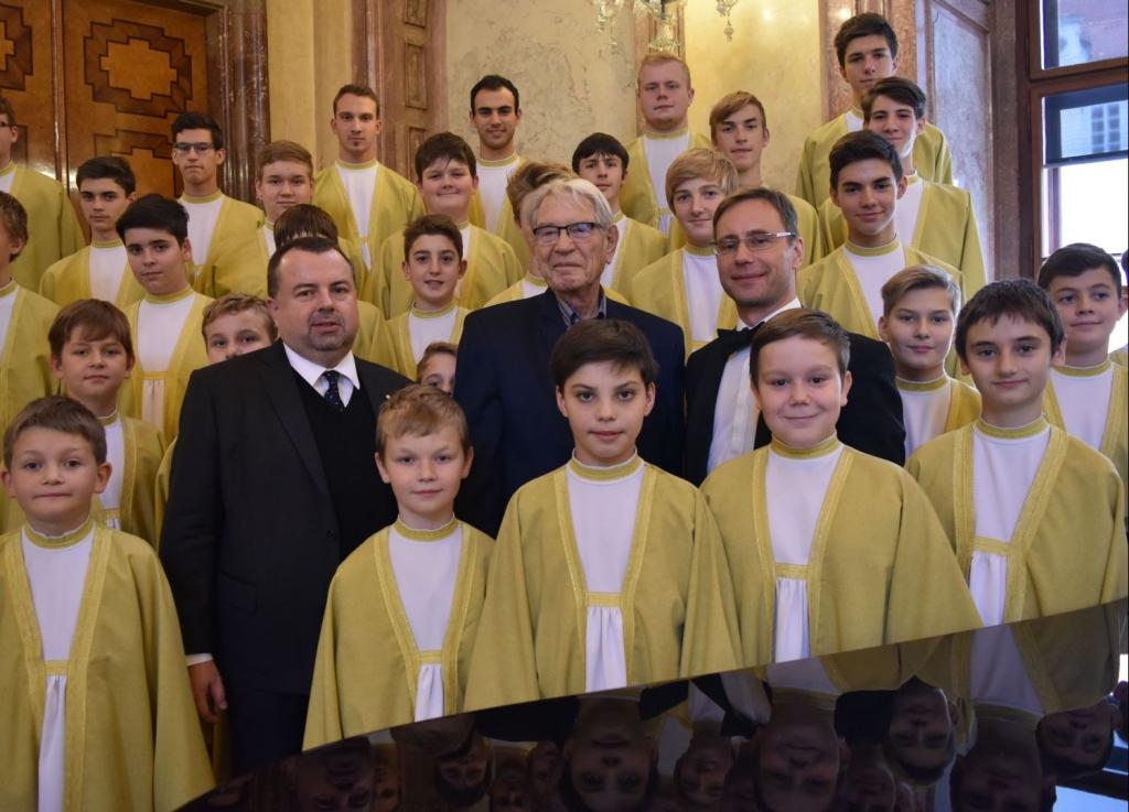 senát svaz 4 malý